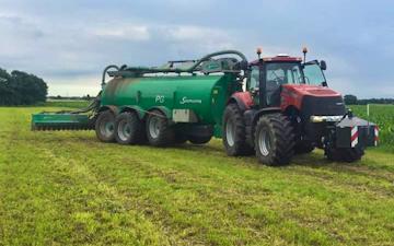 Vinkel landbrugs- og entreprenørforretning med Græsnedfælder ved Viborg