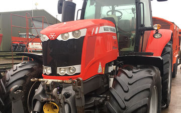 Hrh agricontracts with Tractor 201-300 hp at Enstone