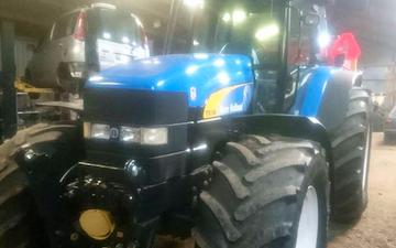 Engedals mark og maskinservice  med Traktor 201-300 hk ved Viborg