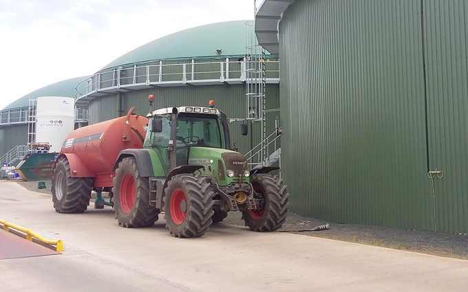 J.s.wilson with Slurry spreader/injector at Aiketgate