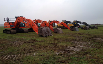 B j goose digger hire ltd  with Excavator at Martham