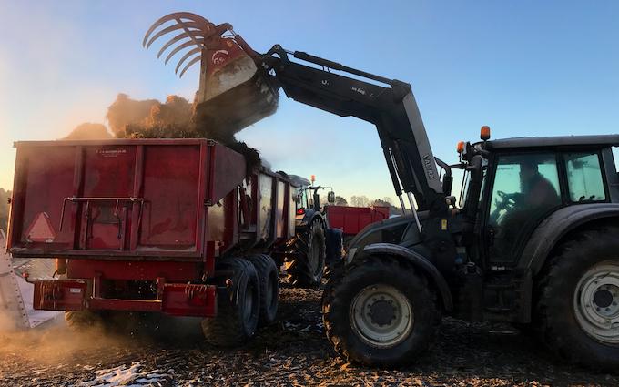 Brunbjerg agro med Alm. vogn ved Gilleleje