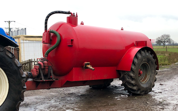 Moss carr farm services with Slurry spreader/injector at Moss