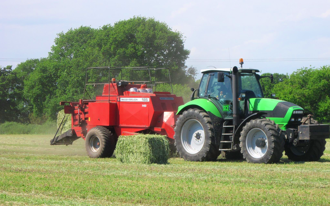 David colman engineering with Large square baler at Sporle