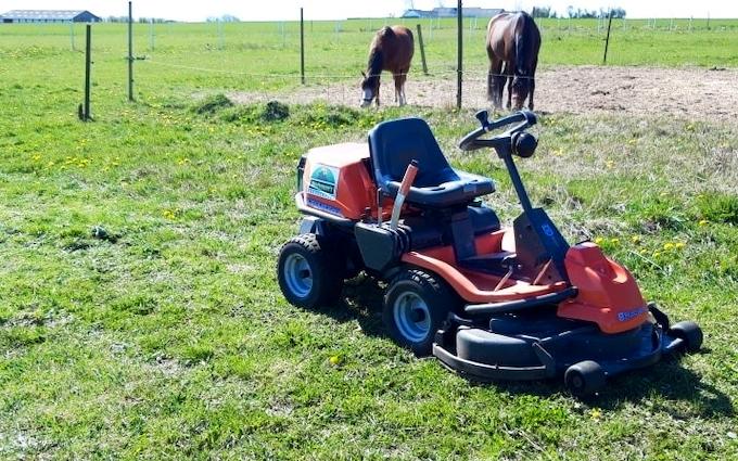 Mortensen's haveservice med Græsslåmaskine ved Hjørring