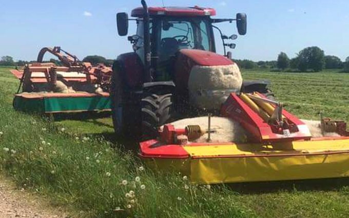 Vinkel landbrugs- og entreprenørforretning med Skårlægger ved Viborg
