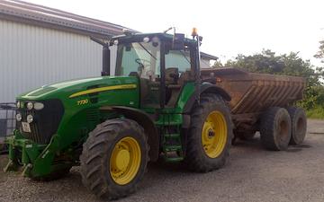 Kærsminde landbrug og maskinstation med Dumpervogn ved Assens