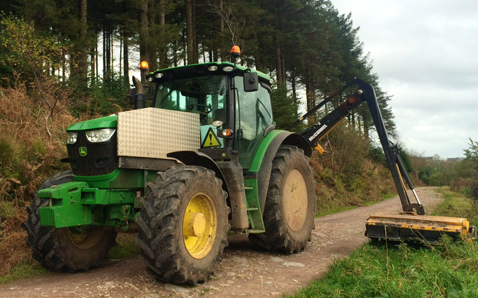 A c harris contracting  with Hedge cutter at Kingston Seymour