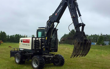 Tree worx & excavation ltd with Excavator at New Zealand