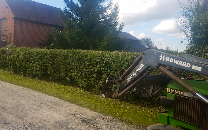 Mowing, moving & muck with Hedge cutter at Putley
