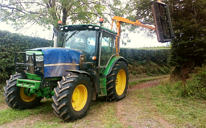 Will agri services  with Hedge cutter at Wiveliscombe
