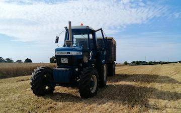 Entreprenør v/mogens  med Traktor 101-200 hk ved Kalundborg