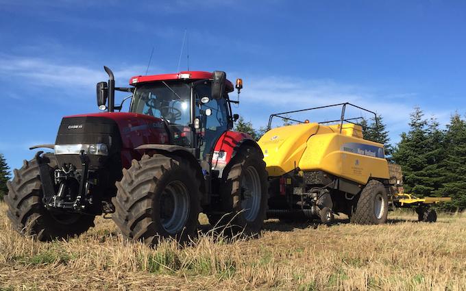 Kathrinelund minkfarm med Bigballepresser ved Esbjerg