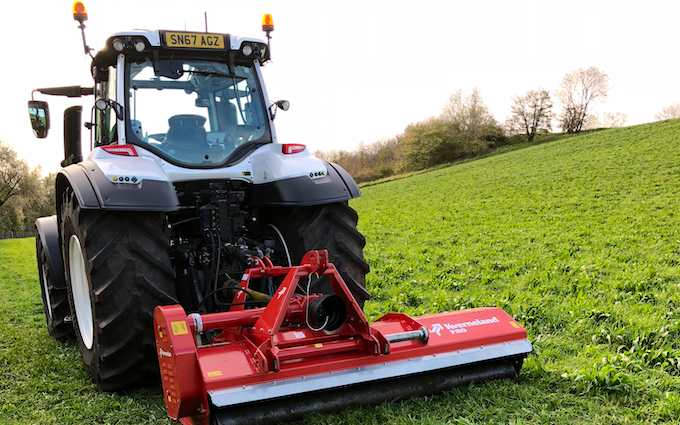 David luke (contracting) with Tractor 201-300 hp at United Kingdom