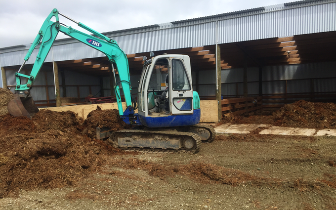 Johnstone contracting ltd with Mini digger at Tokanui