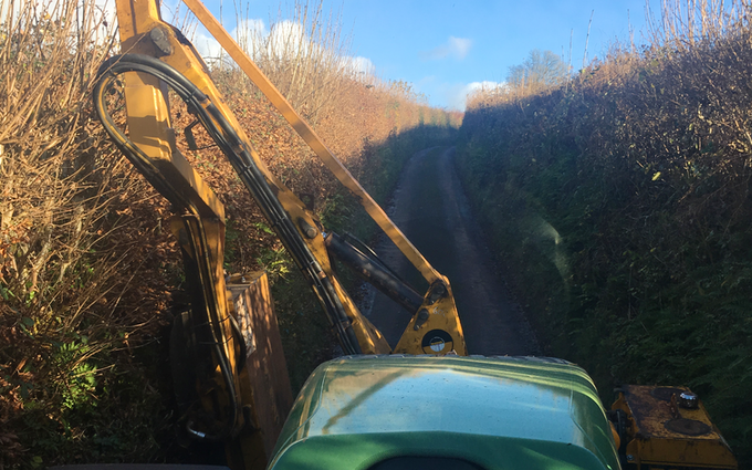 Bp contracting with Hedge cutter at Bathealton