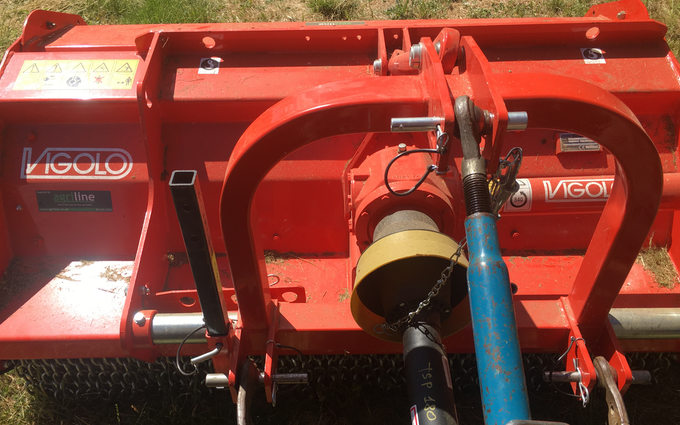 Bycroft group - mulching contractors with Hedge cutter/mulcher at Macdonald Downs