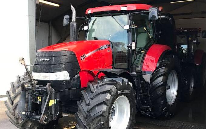 Mb maskinservice  med Traktor 201-300 hk ved Viborg