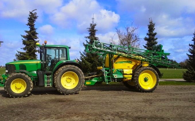 Dalsagergaard landbrug med Trailersprøjte ved Gadstrup