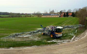Errested maskinstation a/s med Gylleudlægger med slangebom ved Haderslev
