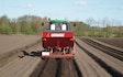 Risgårdens maskinstation med Kartoffellægger ved Skals