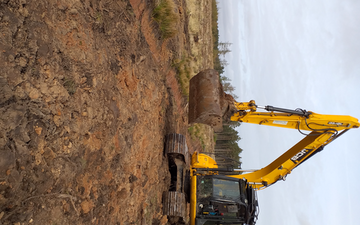 Lr groundwork and forestry  with Excavator at Station Drive