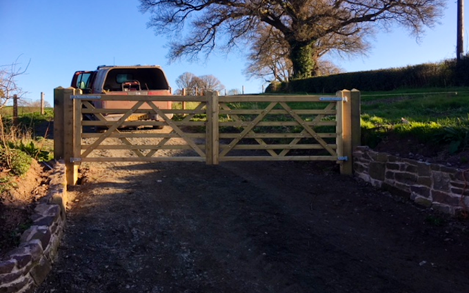 Bowen contractors with Fencing at Acton Scott