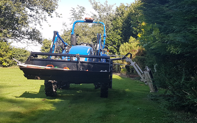 Acc contracting with Hedge cutter at Atwell Close