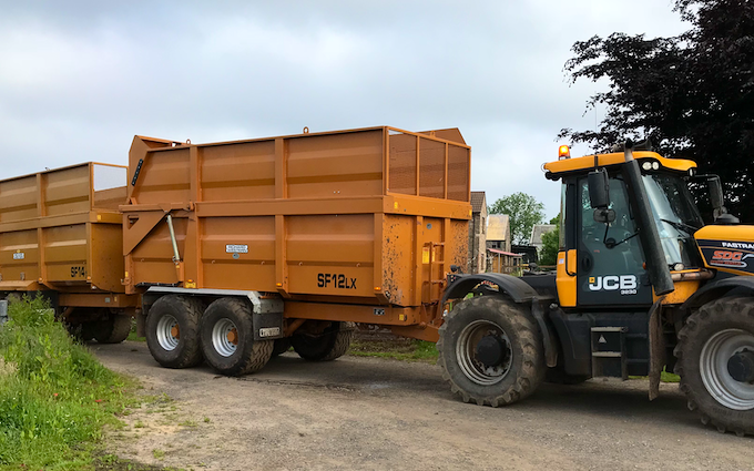 Sdg groundwork solutions ltd with Tractor 201-300 hp at Newnham