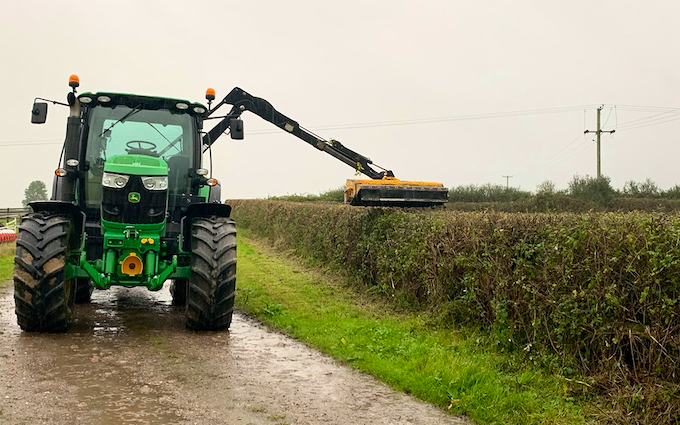 Dan ablewhite  with Hedge cutter at Stragglethorpe Road