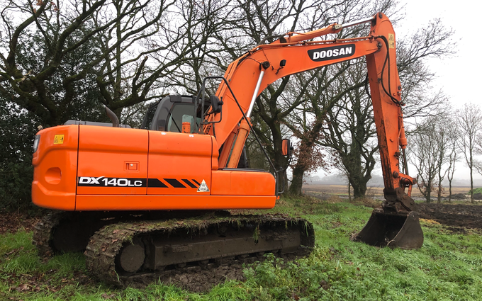 Rwgroundwork with Excavator at Aspull
