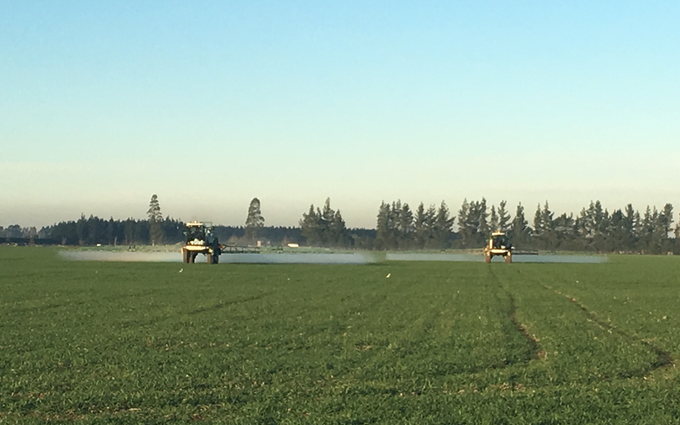Hide spraying ltd with Self-propelled sprayer at Fernside