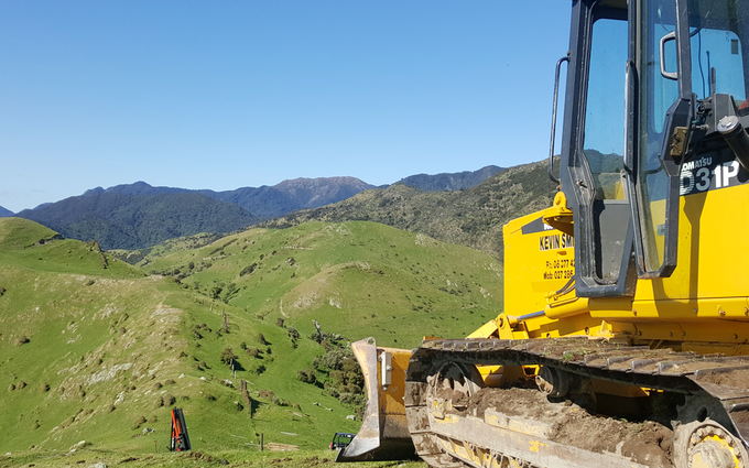 Kevin smith bulldozing with Bulldozer at Opaki