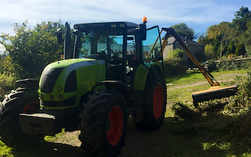 T bright agri contracting with Hedge cutter at Barn Park
