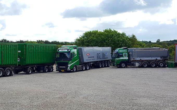 Nørager vognmandsforretning a/s med Lastbil ved Nørager