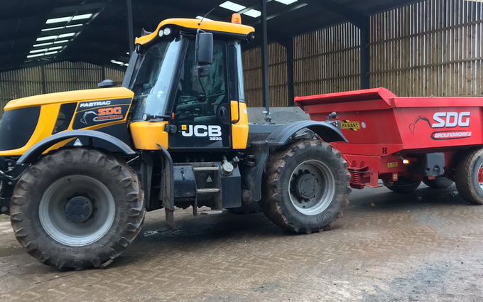 Sdg groundwork solutions ltd with Tractor 100-200 hp at Newnham