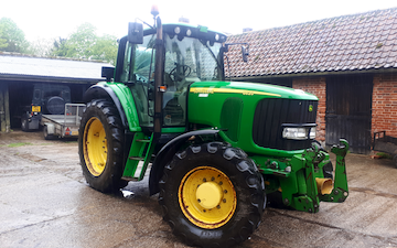 Chris stokes with Tractor 100-200 hp at Stansfield