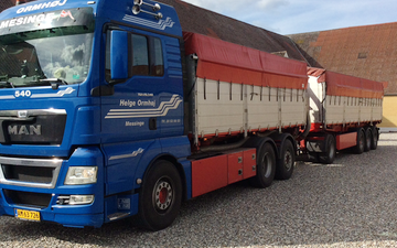 Helge ormhøj med Lastbil ved Kerteminde