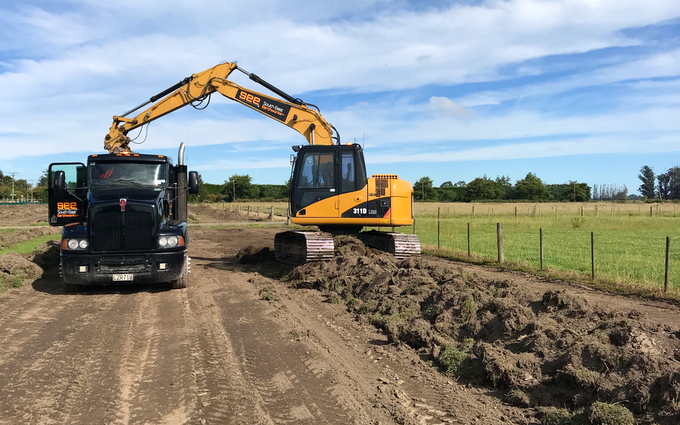 South east erathworks ltd with Excavator at West Melton