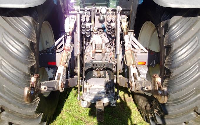 Haaland aps  med Traktor 101-200 hk ved Hirtshals
