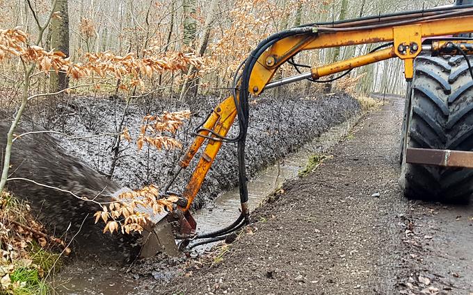 Højgaard entreprise v/ enno højgaard med Grøfterenser ved Nysted