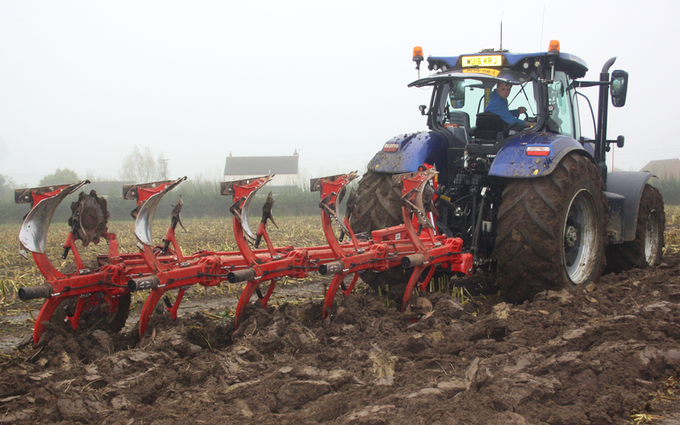 Alternative fertiliser solutions  with Plough at Sutton Benger