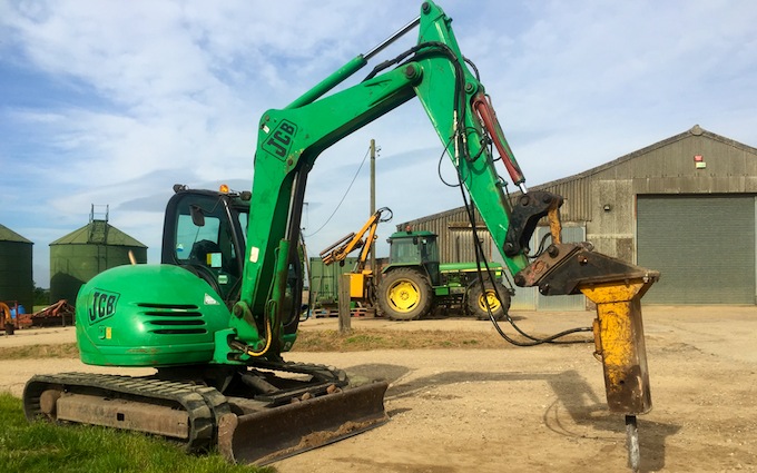 Haydn wesley & son ltd with Excavator at Millthorpe Drove