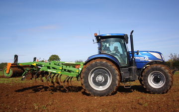 Alternative fertiliser solutions  with Stubble cultivator at Sutton Benger