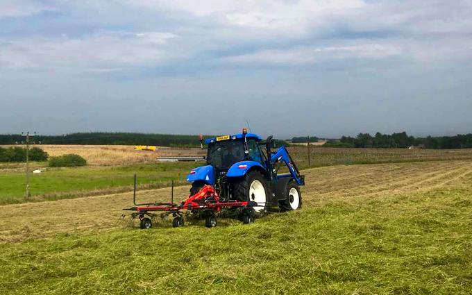 Dubby agri with Tedder at Newburgh