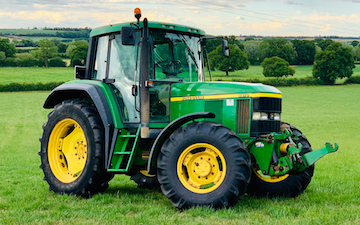 Dominic jeynes agricultural contracting with Tractor 100-200 hp at Longdon