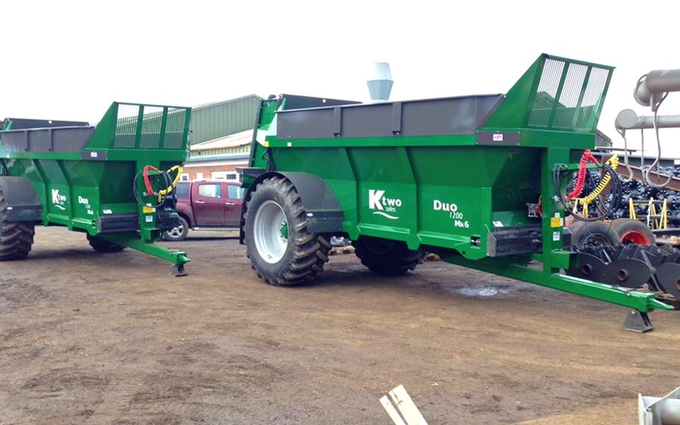 Hrh agricontracts with Manure/waste spreader at Enstone