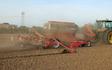 Lohnunternehmen müller mit Drillmaschinen bei Gudow