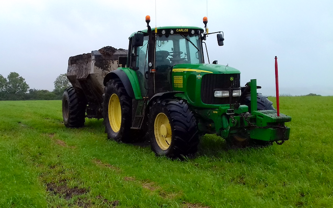 Seggons contractors with Manure/waste spreader at Loxhore