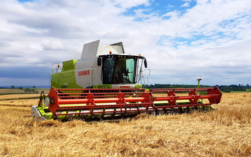Clarke farms ltd with Combine harvester at Lowdham